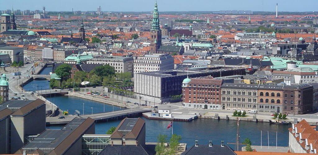 Københavns boliger på en sommerdag
